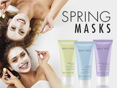 Junge Frauen mit Gesichtsmaske