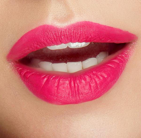 Lippen mit Lippenstift