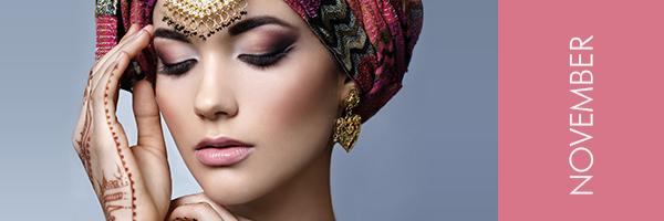 junge Frau mit Turban und orientalischem Schmuck
