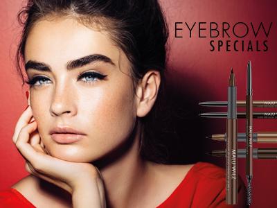 junge Frau mit Augenbrauen Make up
