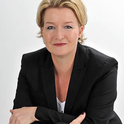 Jutta Schladitz, Kosmetikerin