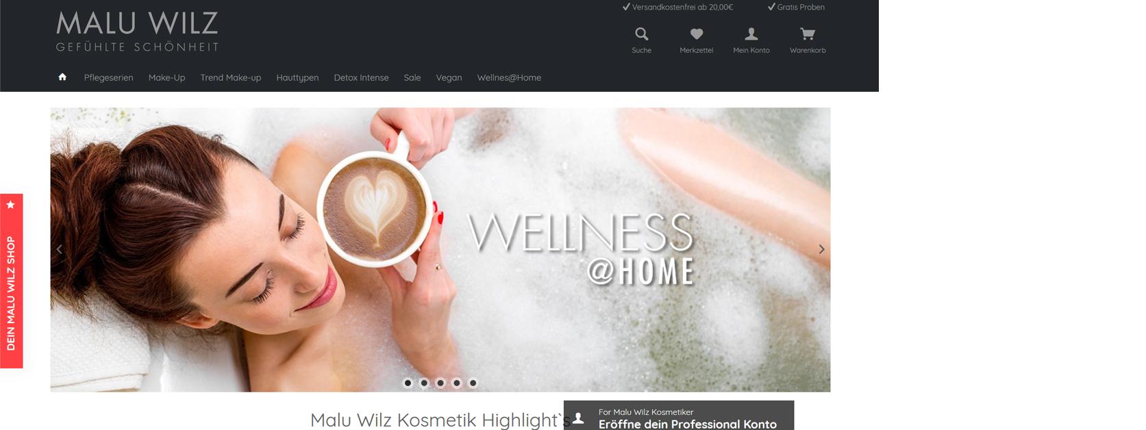 Frau mit Kaffee in Badewanne